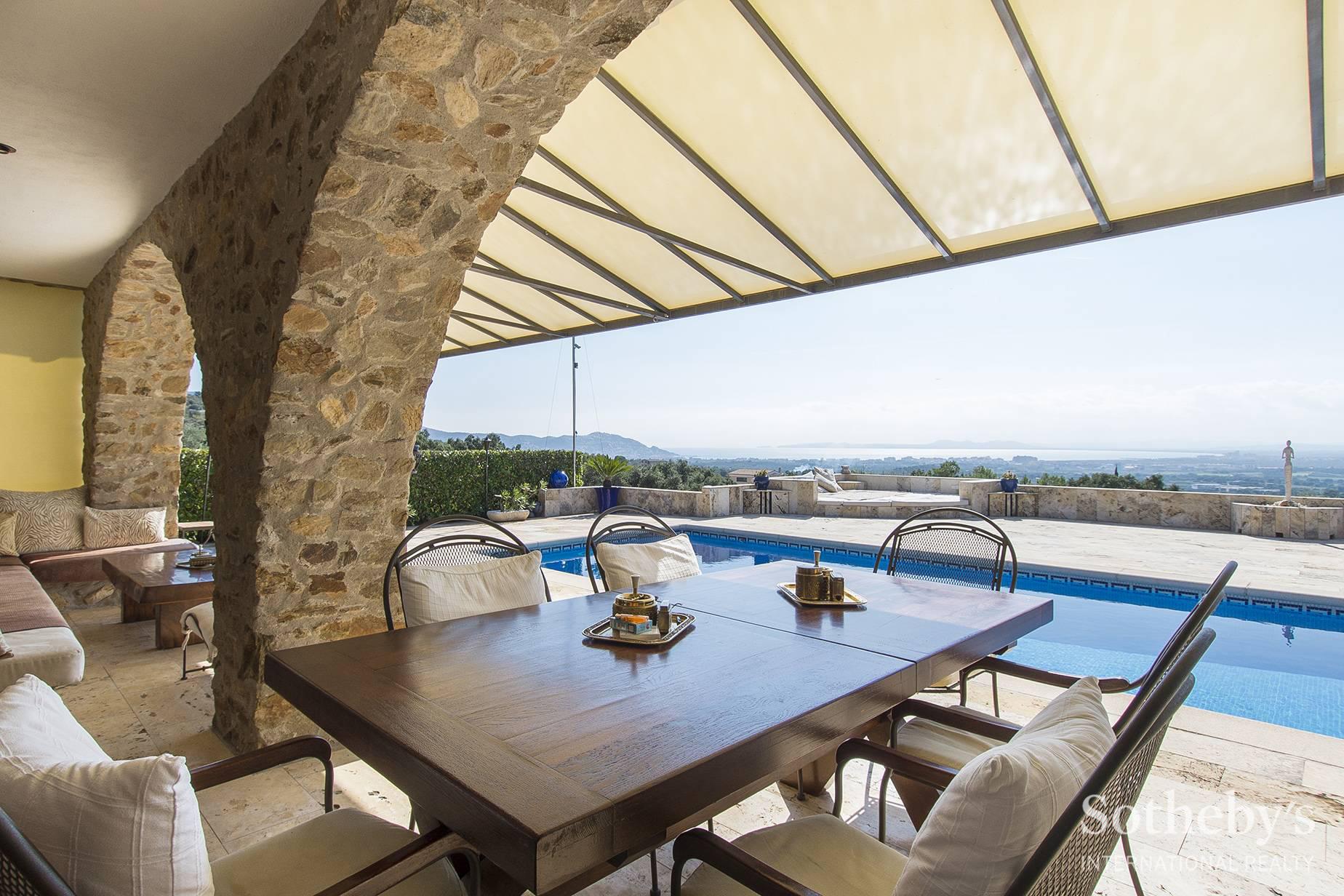 Rustic house for sale with sea views Palau Saverdera, Costa Brava